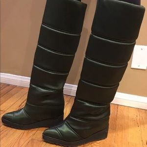 Jeffrey Campbell Squall quilted boot sz 9